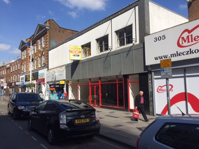 303 High Street Slough SL1 1BD – Substantial Retail Premises Now Let To The Turkish Grandmother Grocers