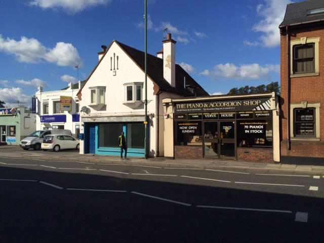 118 London Road Sunningdale SL5 0DJ – Shop To Let Opposite Pizza Express