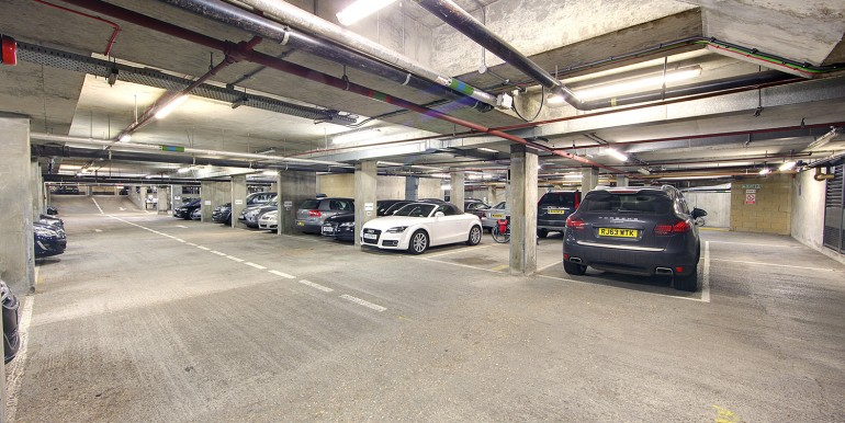 Windsor - Masderia Walk - Morgan House - car park