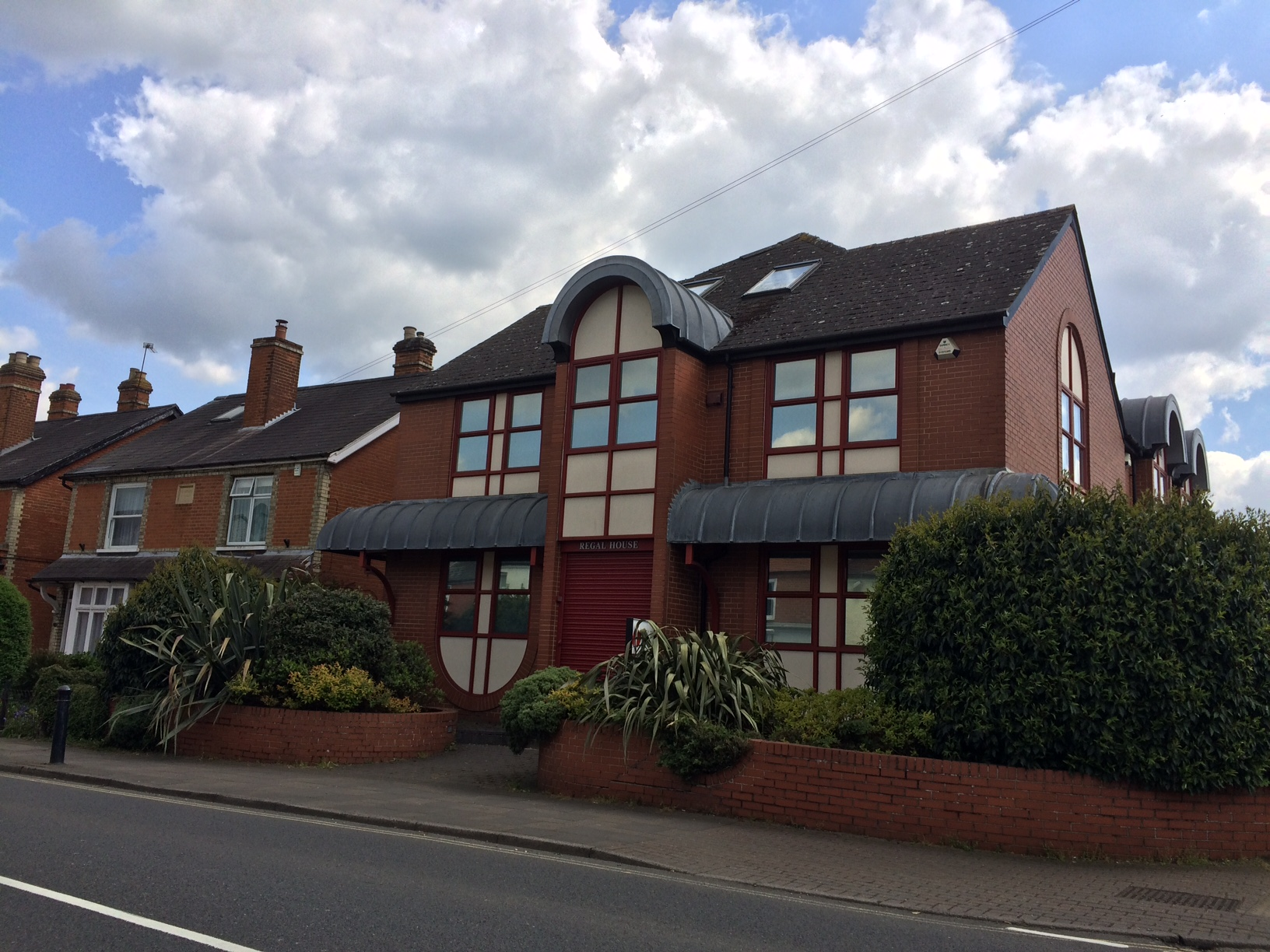 Regal House 18 High Street Bagshot GU19 5AA – freehold detached office for sale