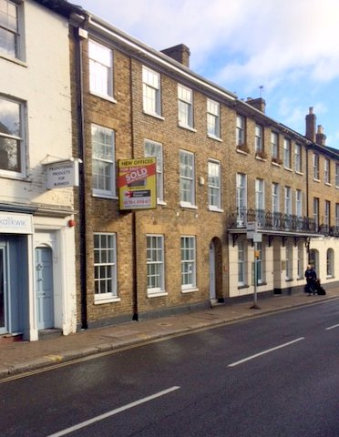 33 Clarence Street Staines TW18 4SY