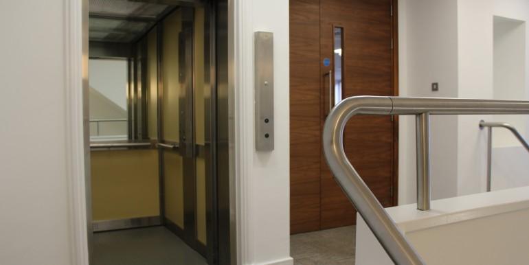 Windsor - Sheet Street - Royal Albert House - general of lift